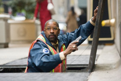 """Denzel Washington snakes out the bad guys in the latest remake of """"The Taking Of Pelham 1 2 3."""""""